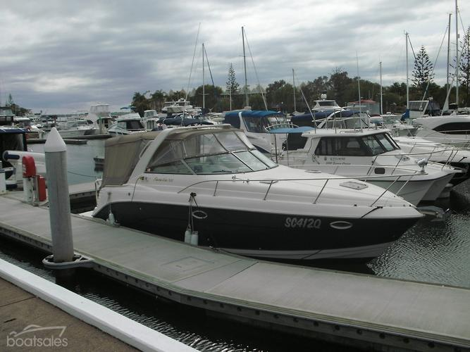 2005 RINKER 300 EXPRESS CRUISER
