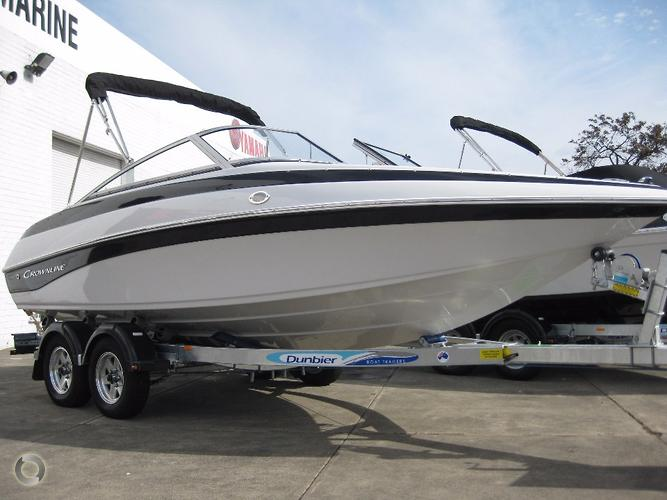 2017 CROWNLINE 18 SS